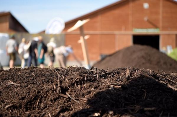 Der Humusaufbau der Böden als Kohlenstoffspeicher ist eine der zentralen Herausforderungen für die Landwirtschaft.